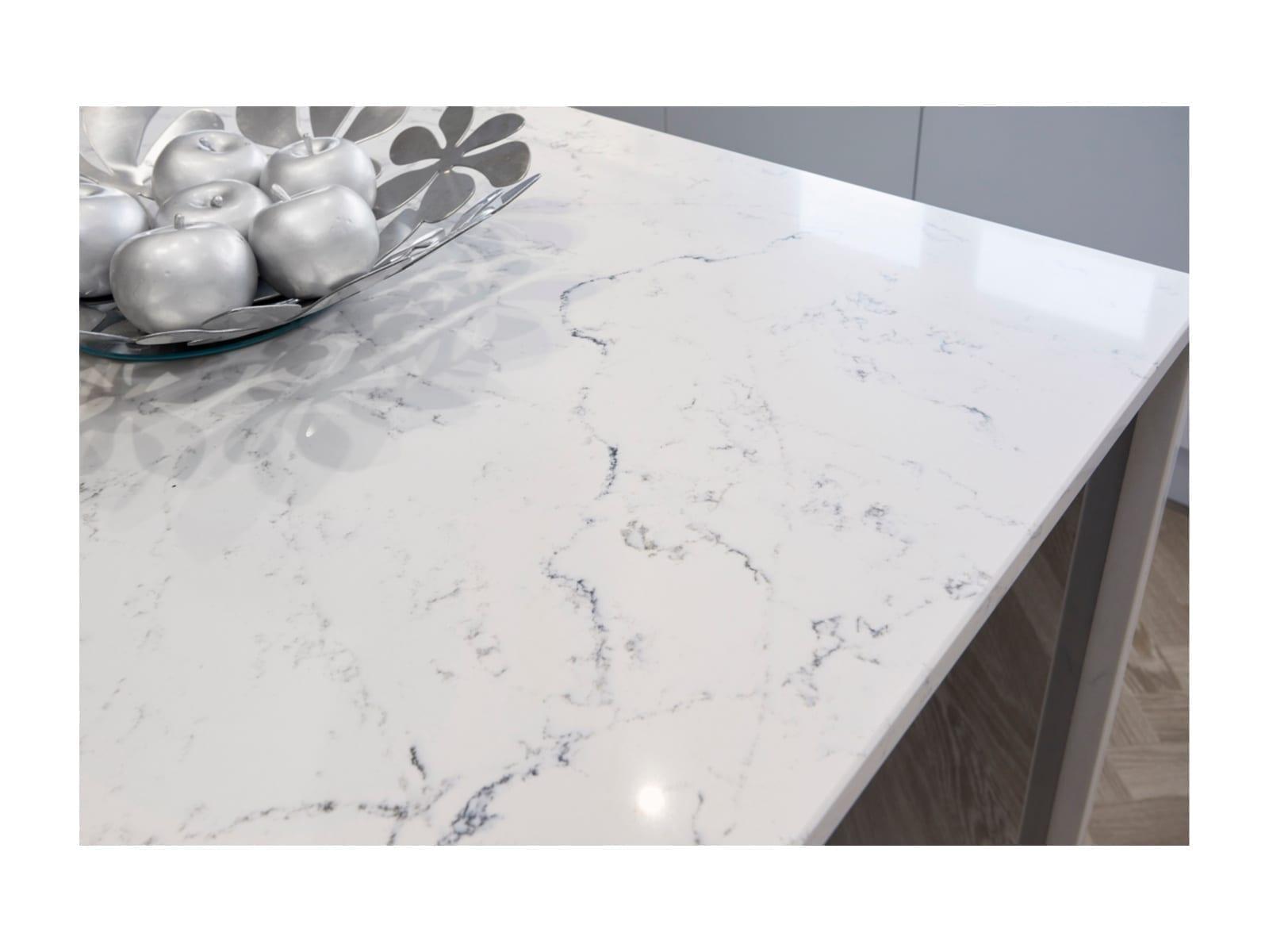 InLine Gloss Light Grey & Lustre Metallic